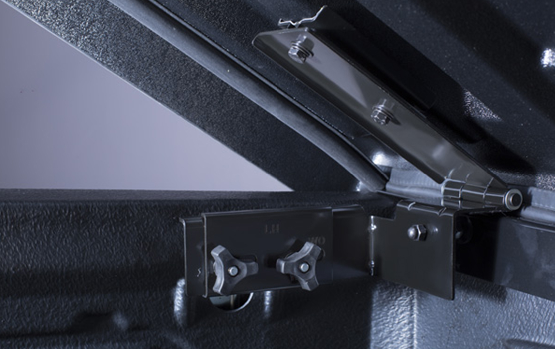 Aeroklas Deck Cover Manual Lift up for Nissan Navara
